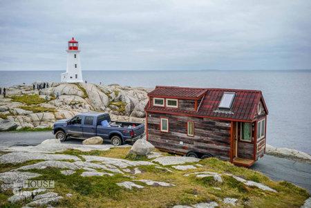 tiny-house-giant-journey-mobile-home-jenna-guillame-6.jpg